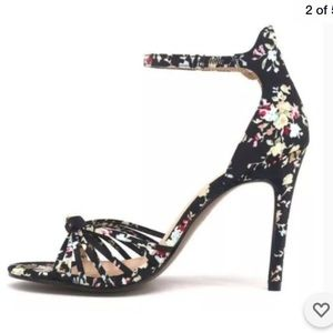 NEW Who What Wear Black satin floral heels sz 11